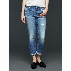 GAP Jeans - Gap Girlfriend fit jeans